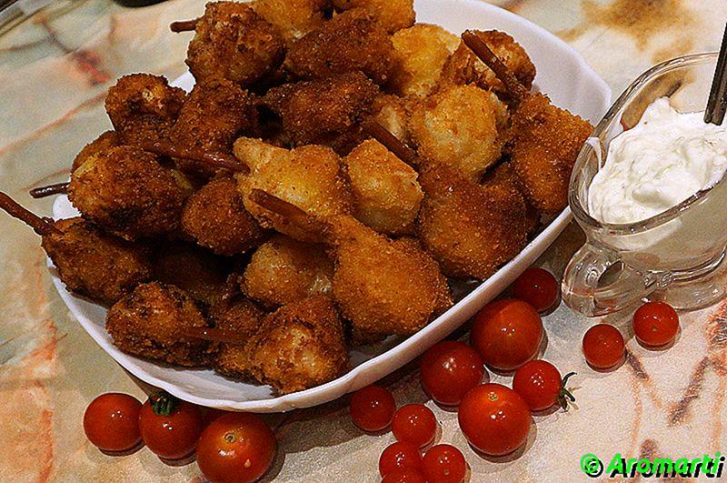Перепелиные окорочка из курицы с чесночным соусом
